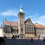 """""""Sachsen, Chemnitz, Neues Rathaus, Einweihung 1911, Foto vom 06.09.2011"""" von Rolf 41 - Eigenes Werk. Lizenziert unter CC BY-SA 3.0 über Wikimedia Commons"""