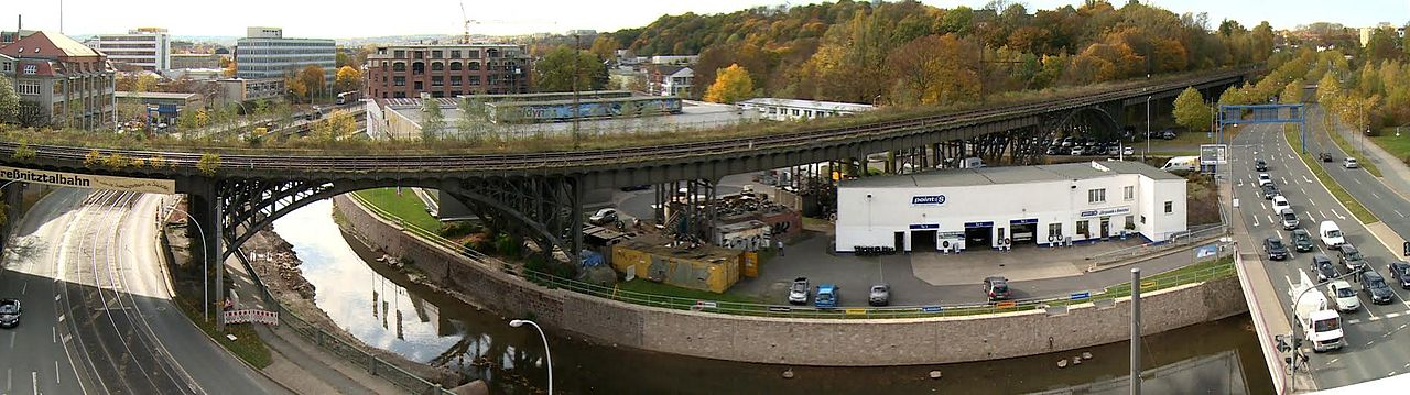 """""""Viadukt Chemnitz"""" von Dr.BenitaMartin - Eigenes Werk. Lizenziert unter CC BY-SA 3.0 über Wikimedia Commons - https://commons.wikimedia.org/wiki/File:Viadukt_Chemnitz.jpg#/media/File:Viadukt_Chemnitz.jpg"""